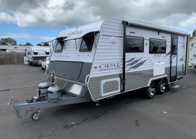 NEW Opal Southern Explorer Series 186 Single Beds Caravan
